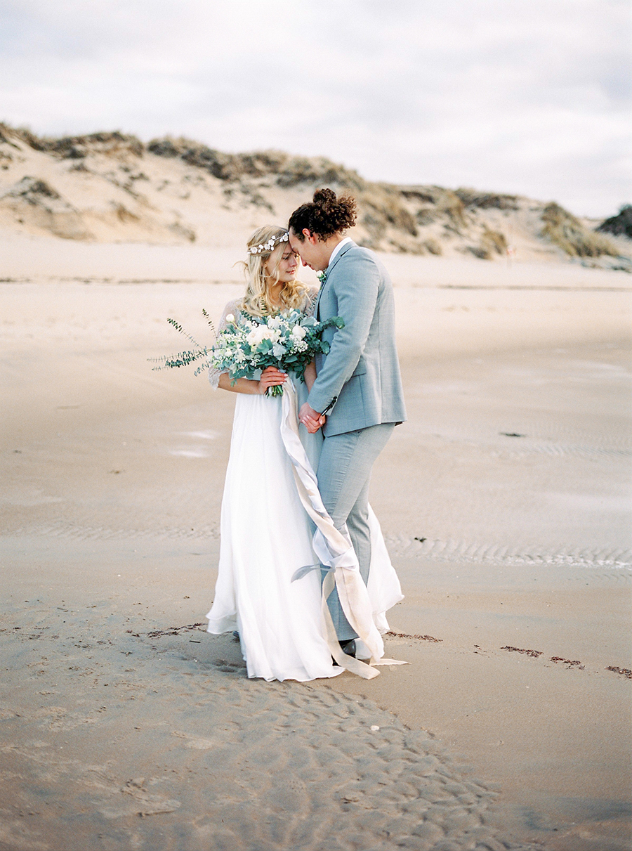 2BridesPhotography_ThoseLovelyDays_WinterBeach_Wedding_054