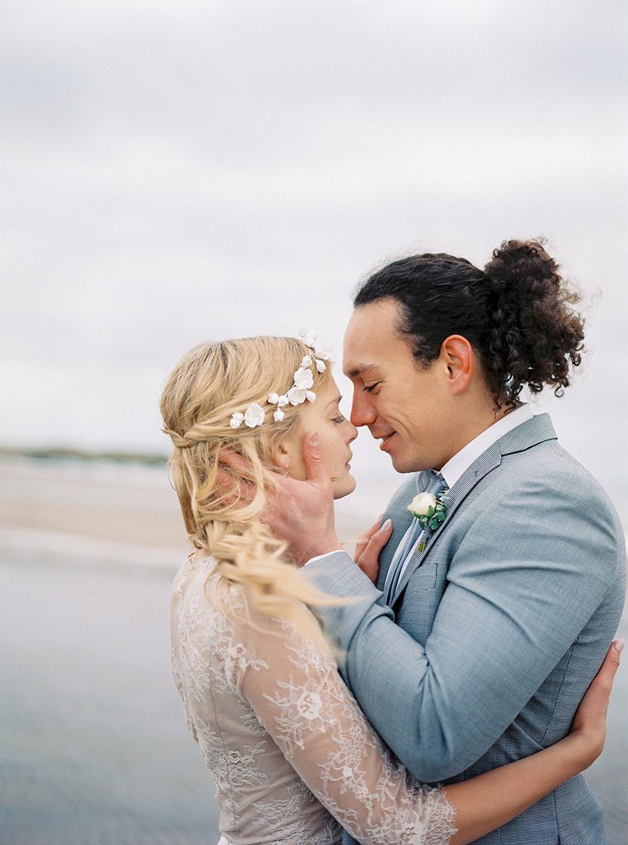 2BridesPhotography_ThoseLovelyDays_WinterBeach_Wedding_006