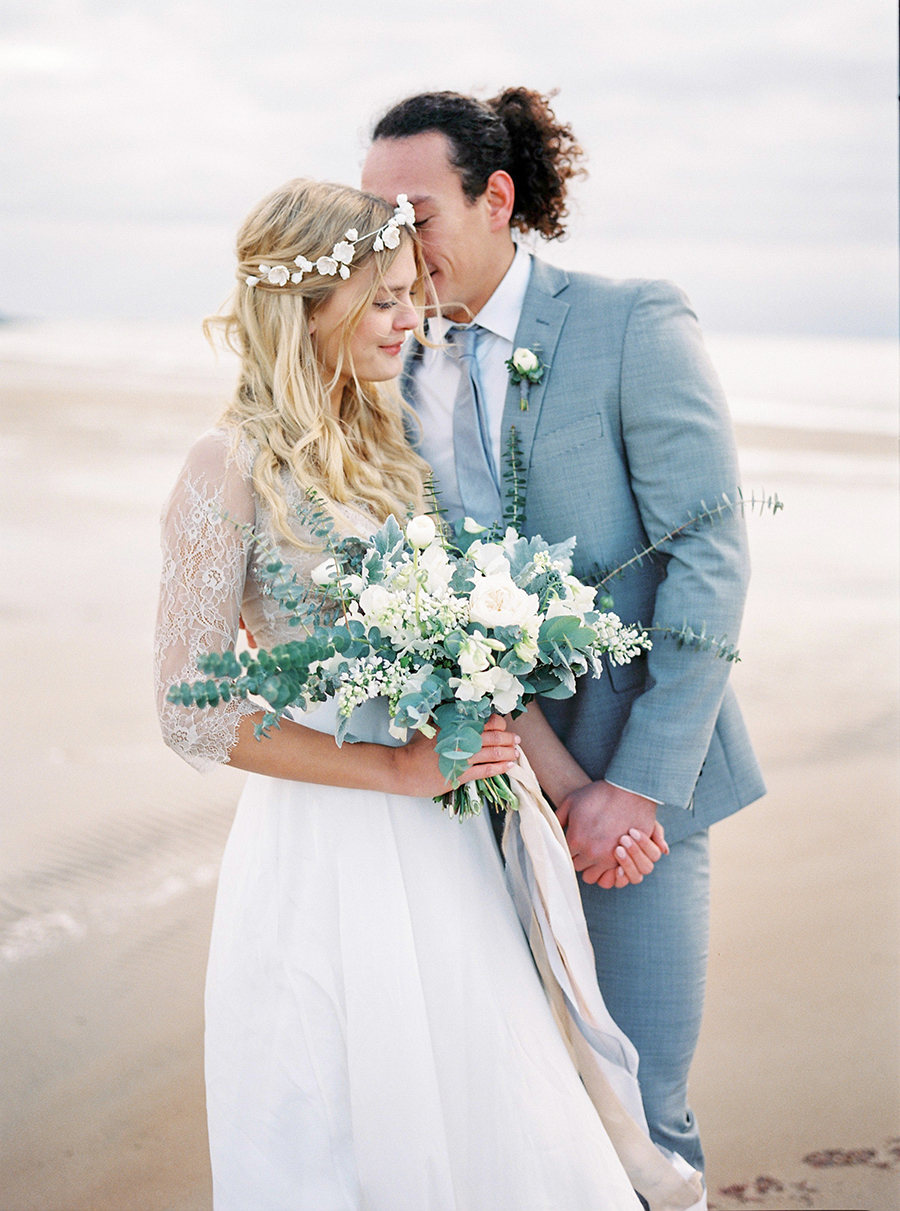 2BridesPhotography_ThoseLovelyDays_WinterBeach_Wedding_052