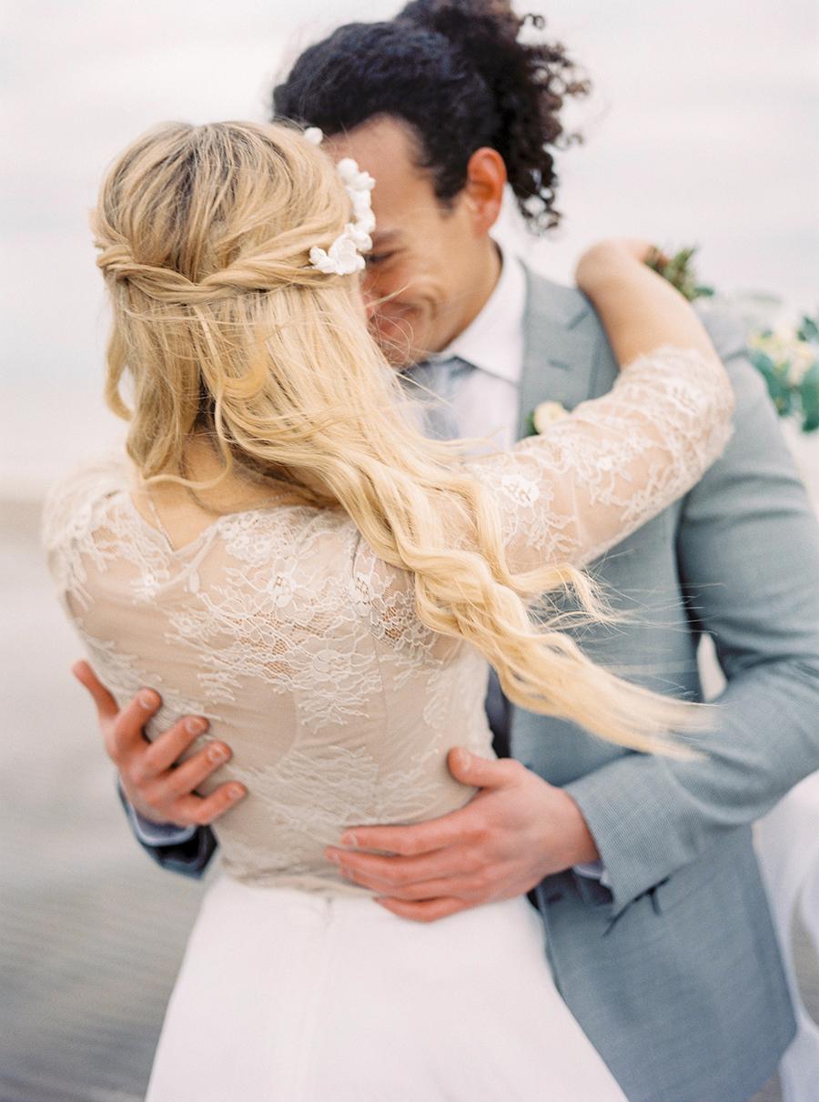 2BridesPhotography_ThoseLovelyDays_WinterBeach_Wedding_007