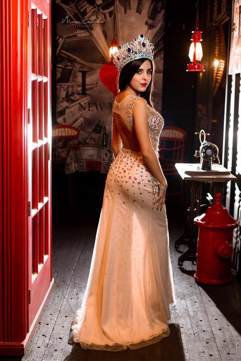 Modelo: Priscila Flores
