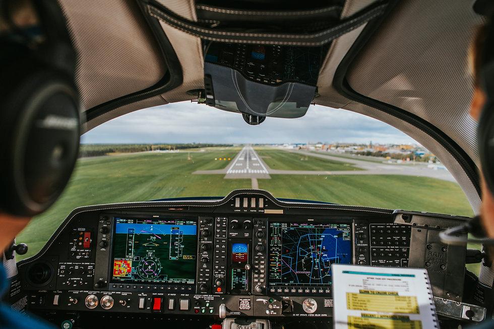 landingairplanelarge.jpg