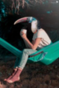 mujer pajaro birdwoman chokone premio mejor fotografia tucán