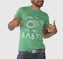 私はベビー t シャツをグリーンします。