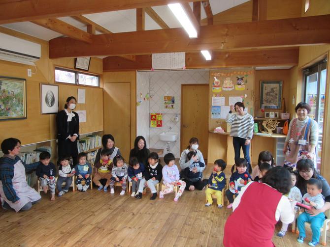 ひまわり組(2歳児)の参観日がありました