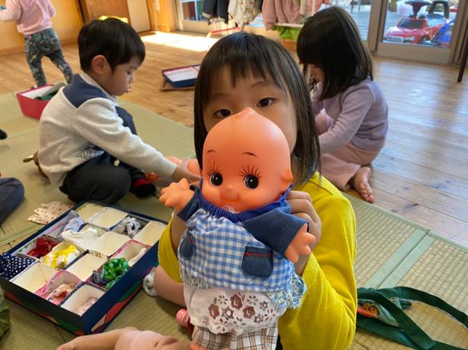 お人形さんごっこ