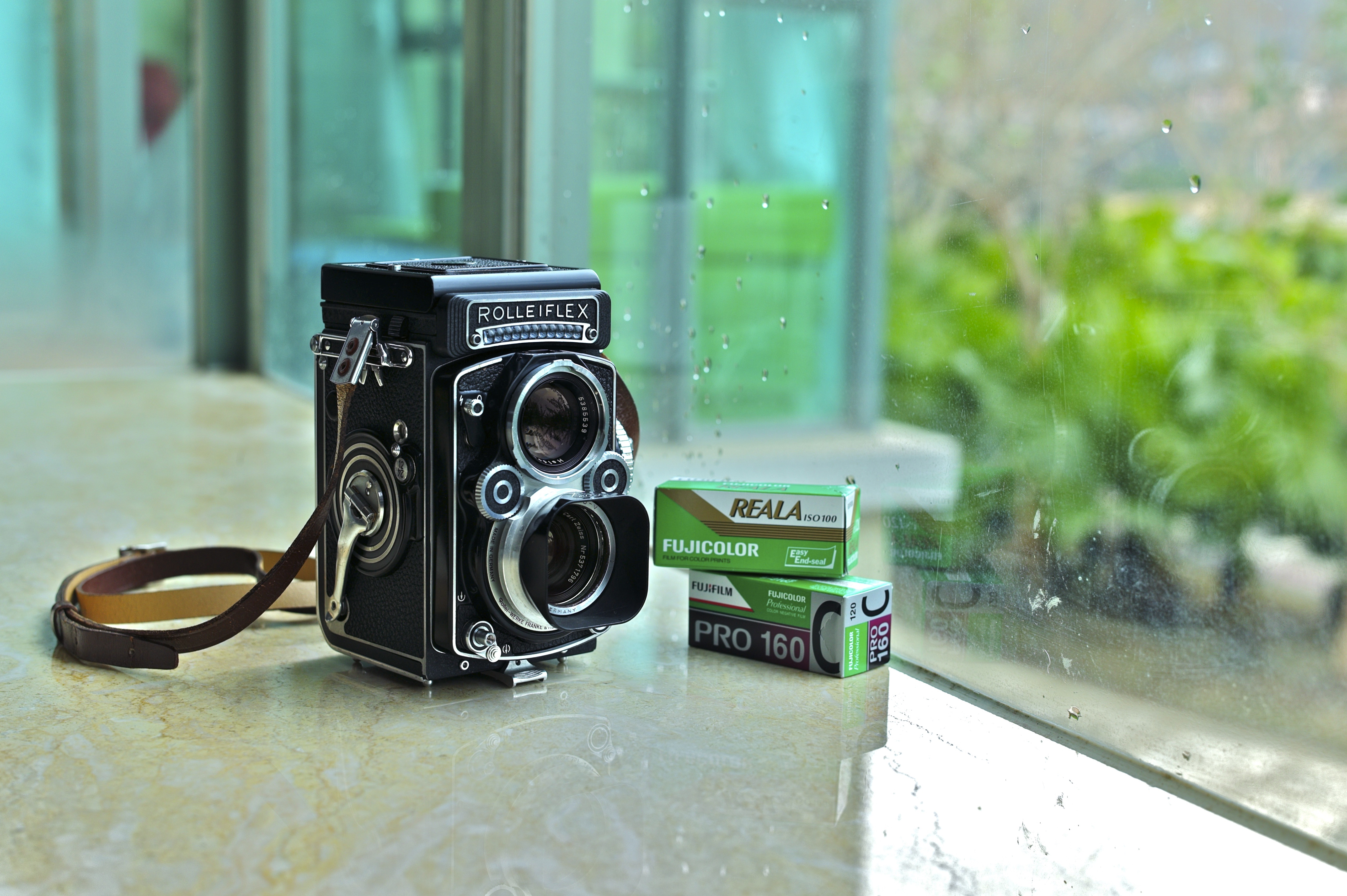 Rolleiflex 2.8F Xenotar  White Face