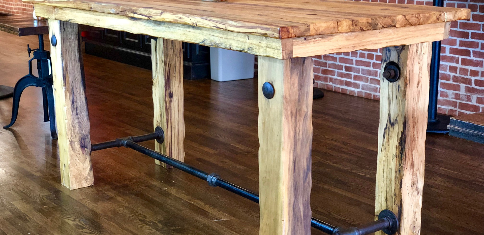P-Town Pizza Table