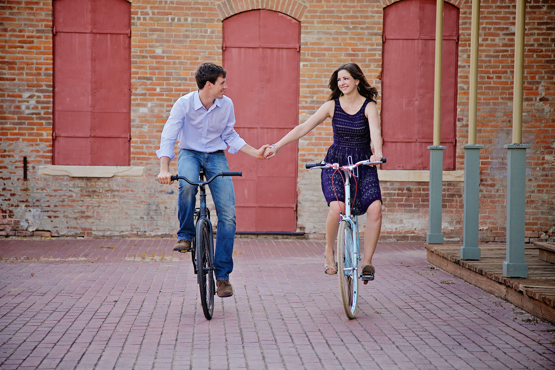 bike engagement photo's