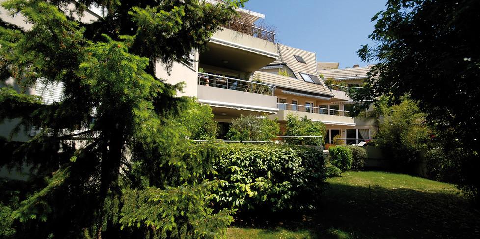 B 7000 jardin O.jpg