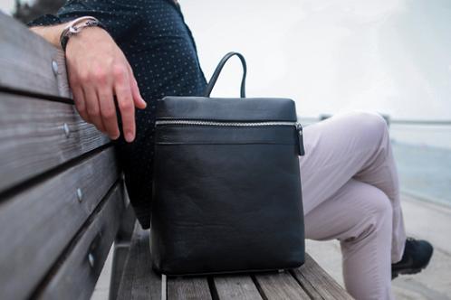 Themis | Everyday Backpack | Black |