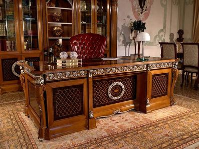 Класичні італійські меблі у кабінет - салон Лео Гранде Львів