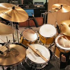 Billy's Pearl kit at David Lange Studio 2004