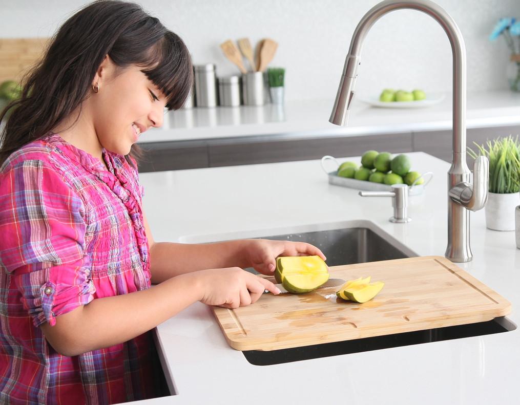 A-904-over-the-sink-cutting-board.jpg