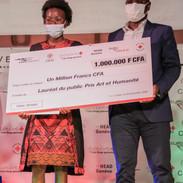 Fatou Sene, lauréate du Prix du Public et Massamba Mbaye