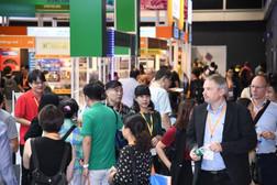 Hong Kong electronic fairs carry on despite cyclone