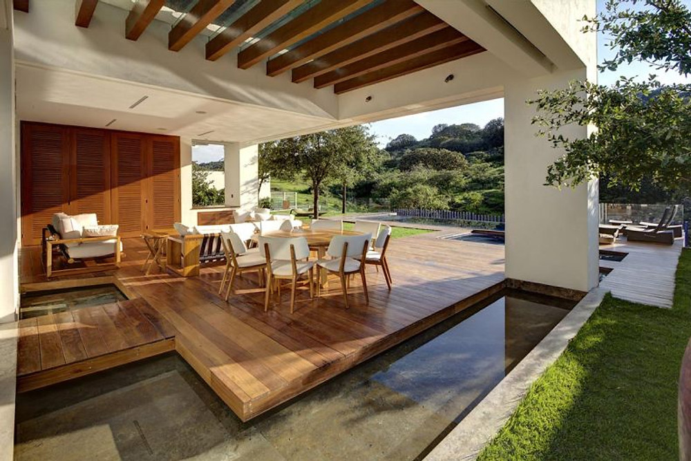 Casa-S-Zapopan-Mexico-Water-Feature-Outdoor-Dining