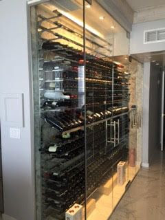 chicago-lake-shore-resident-wine-glass-storage