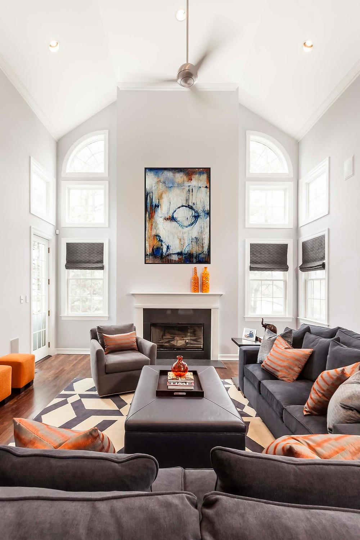 EP_170327_425_v1 Living Room w just art final