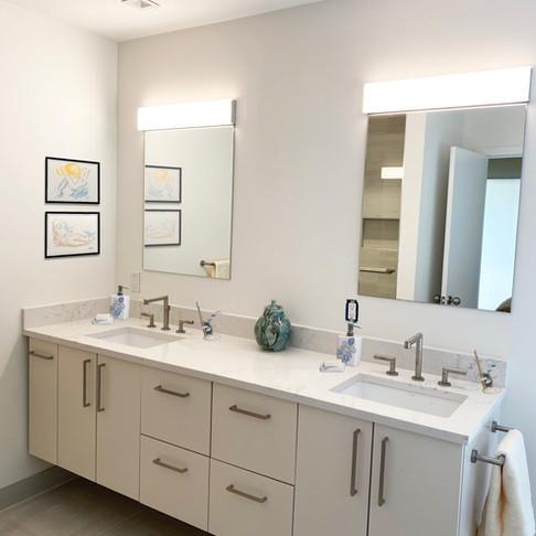 BEHIND THE DESIGN: A Modern Minimalist Kitchen and Bath Makeover in Quogue, New York