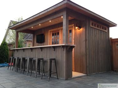 Modern poolside bar