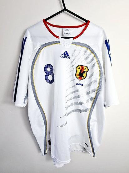 Japan 2006-08 Away - Size M - Number 8