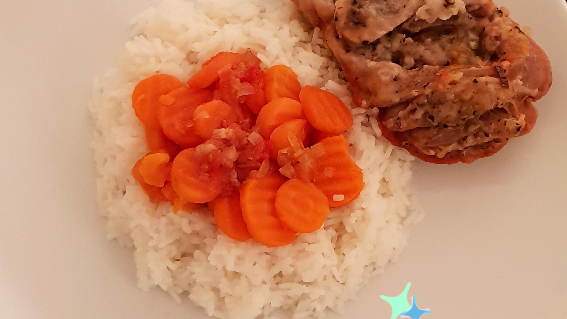 Schweine Haxen mit Reis und Karotten