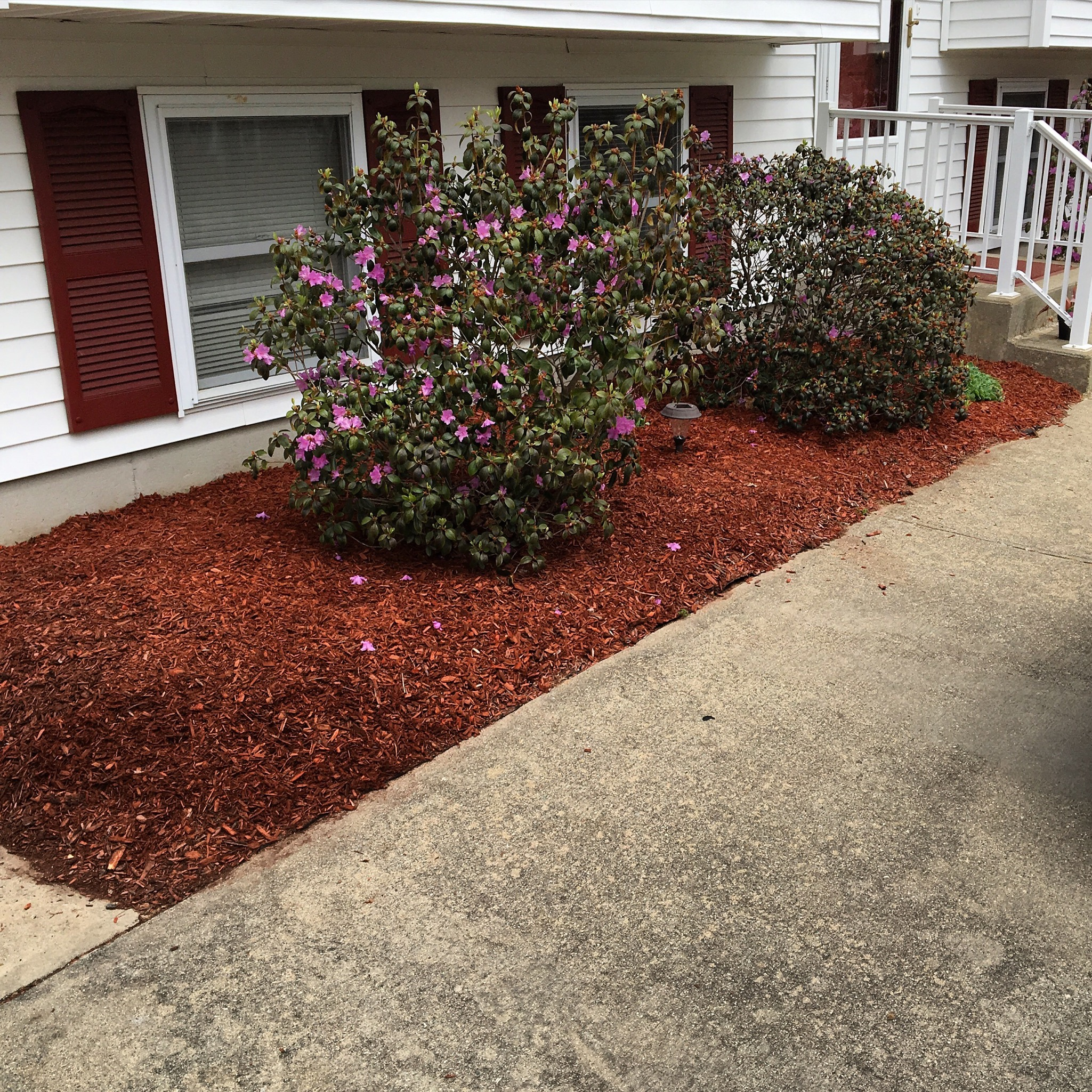 Mulch Job in Waterford, Connecticut.