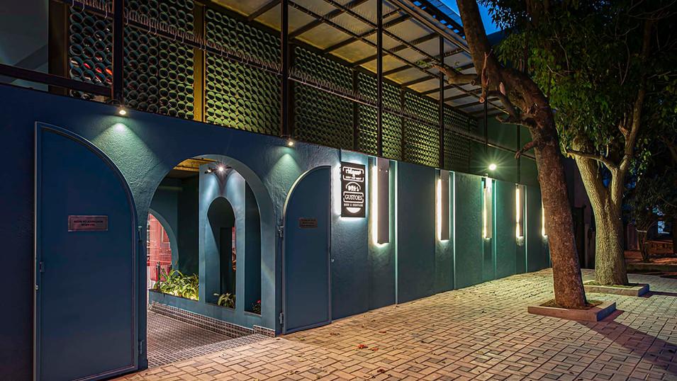 Gustoes Beer cafe exterior.jpg