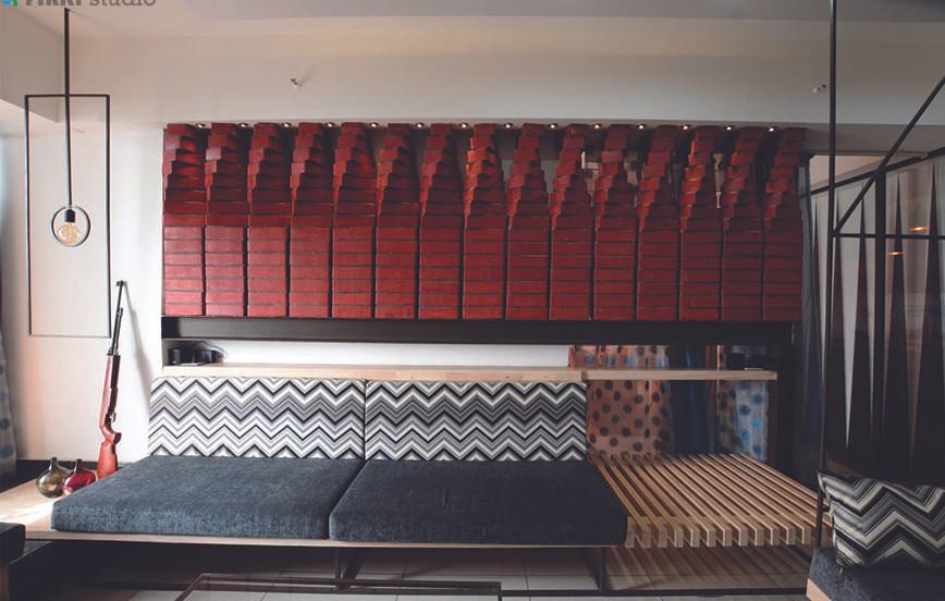 VISHAL RESIDENCE - twisted brick wall as