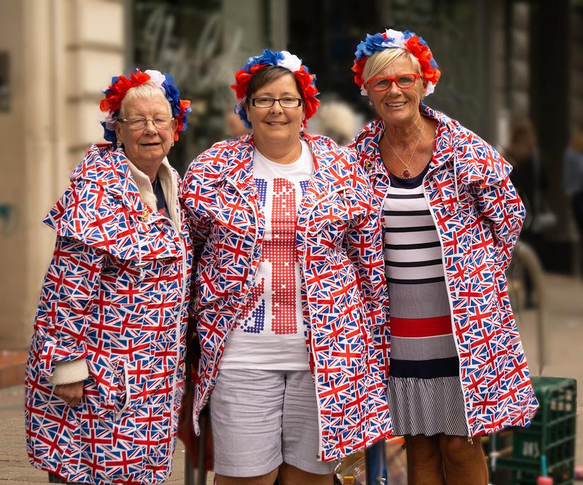 COLOUR - Three Amigos by Helen Honeyman (9 marks)