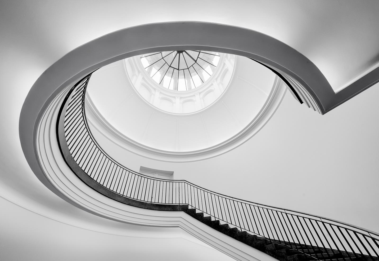 Berggruen Staircase