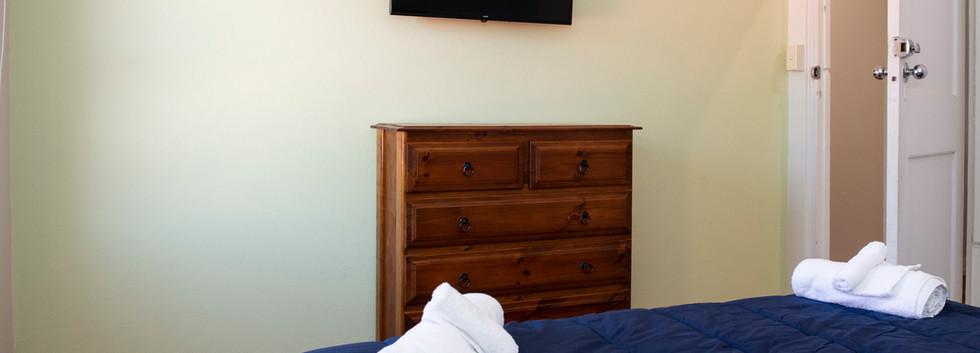 The Oaks Hotel Accommodation-18.jpg