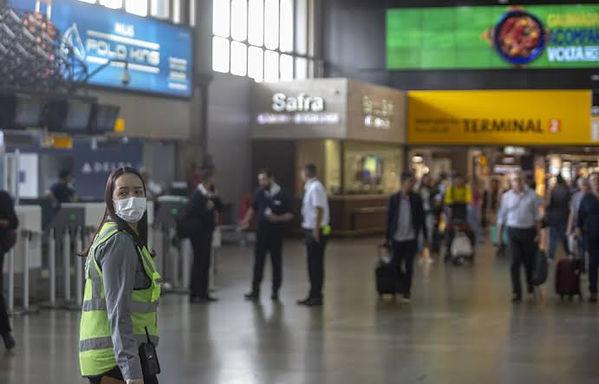 GRU Airport recebe kits de testes para detecção de COVID-19