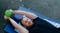 אימון כוח לכל הגוף / ציוד: קטלבלס