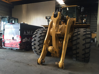 Lincoln vetsmering op CATERPILLAR 988K