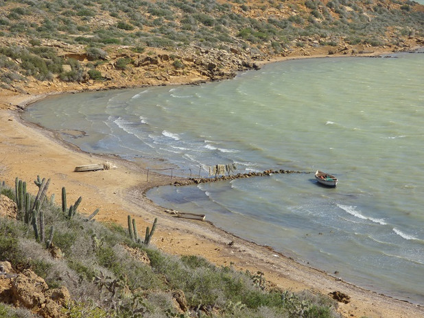Petit bateau à Bahia Hondita dans le désert de la Guajira