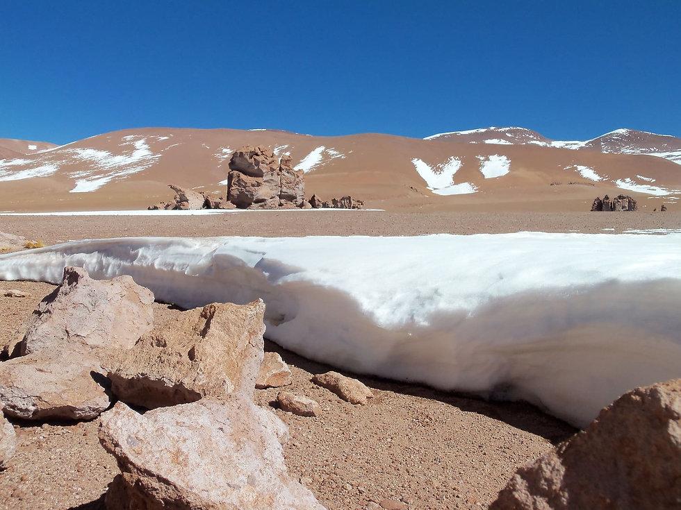 CHILE-L021-Snow structure in Atacama des