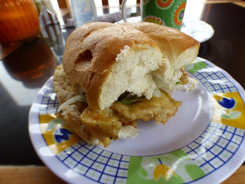 Pan de pescado pour le petit-déjeuner à Coquimbo