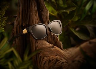 LuisV8_Glasses_1.jpg