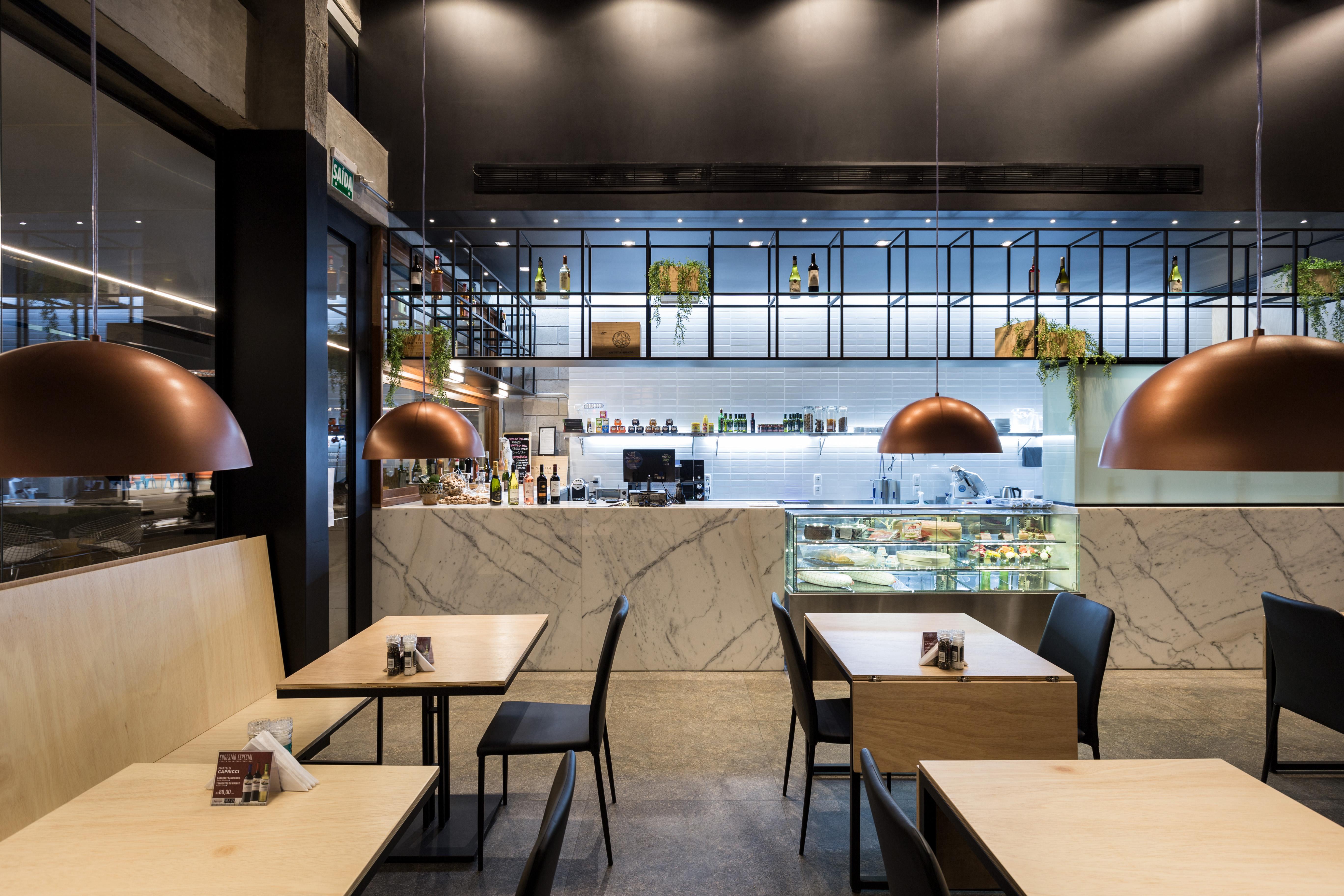 Brava Gastrobar - Salão de mesas