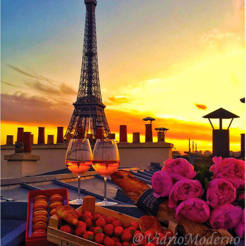 Bodegón & Torre Eiffel