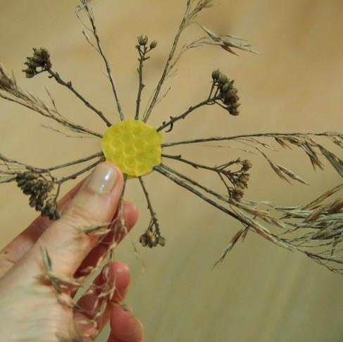Korona tvoření: květy do oken