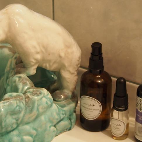 Koupelnový lední medvěd