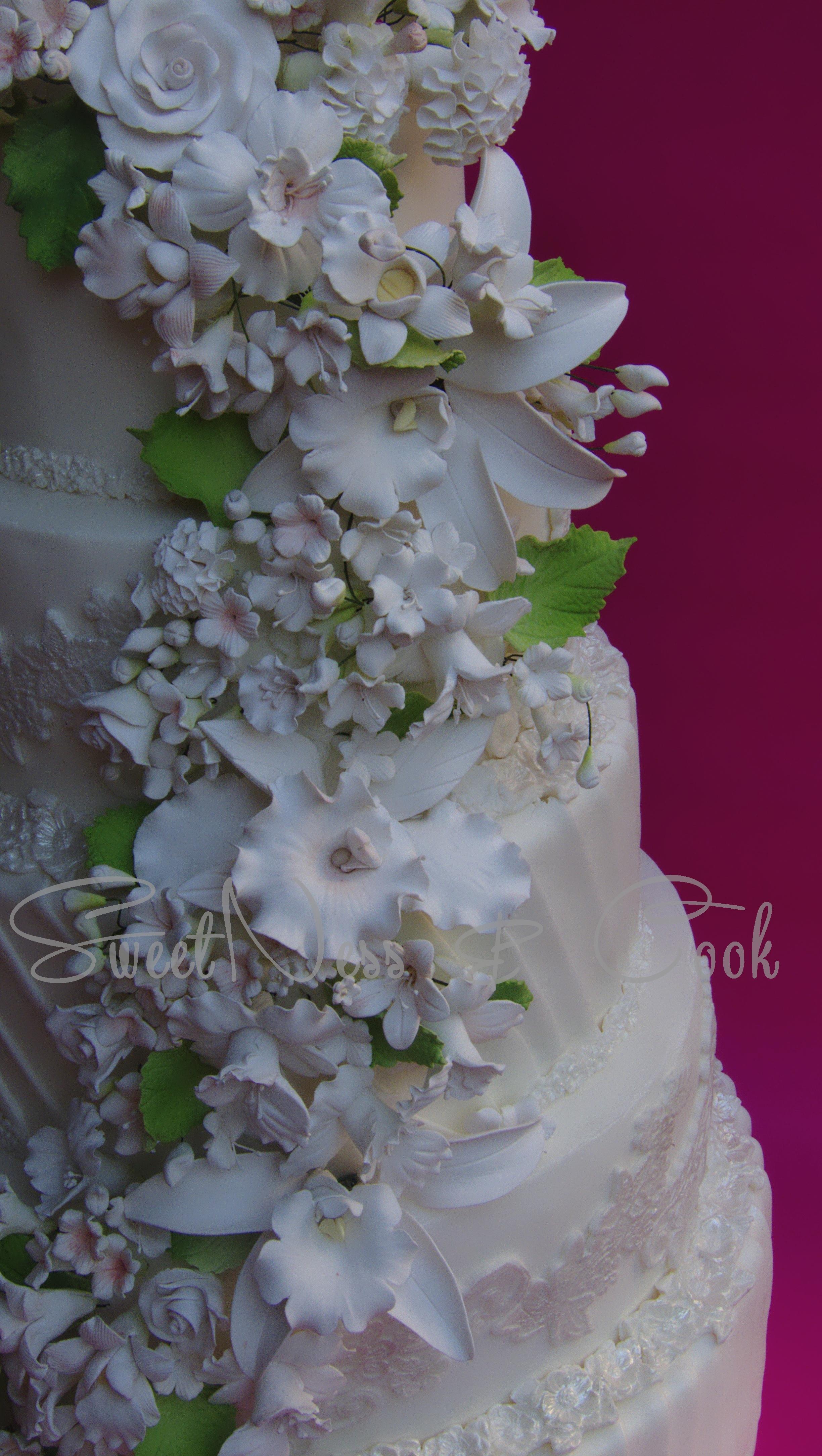 Wedding Cake Floral