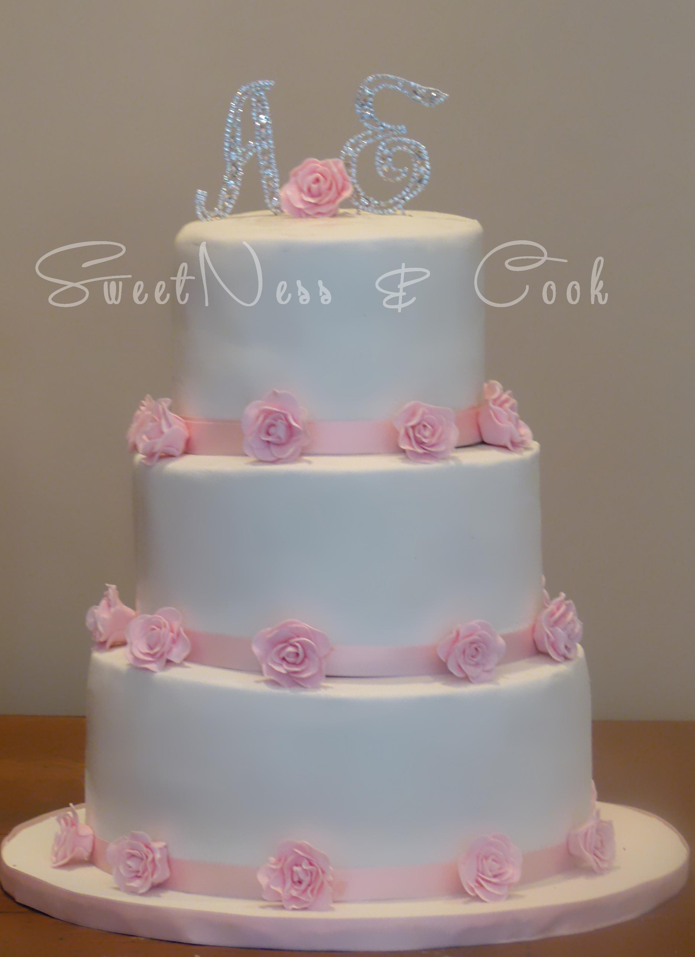 Wedding Cake boutons de roses