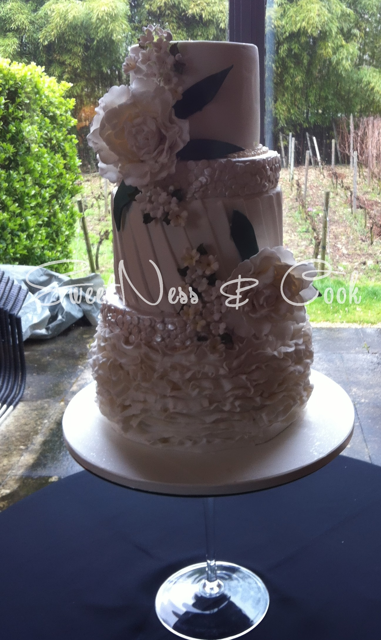 Wedding Cake pivoine et sequin