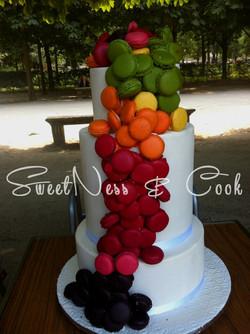 Wedding Cake Tombée de macarons