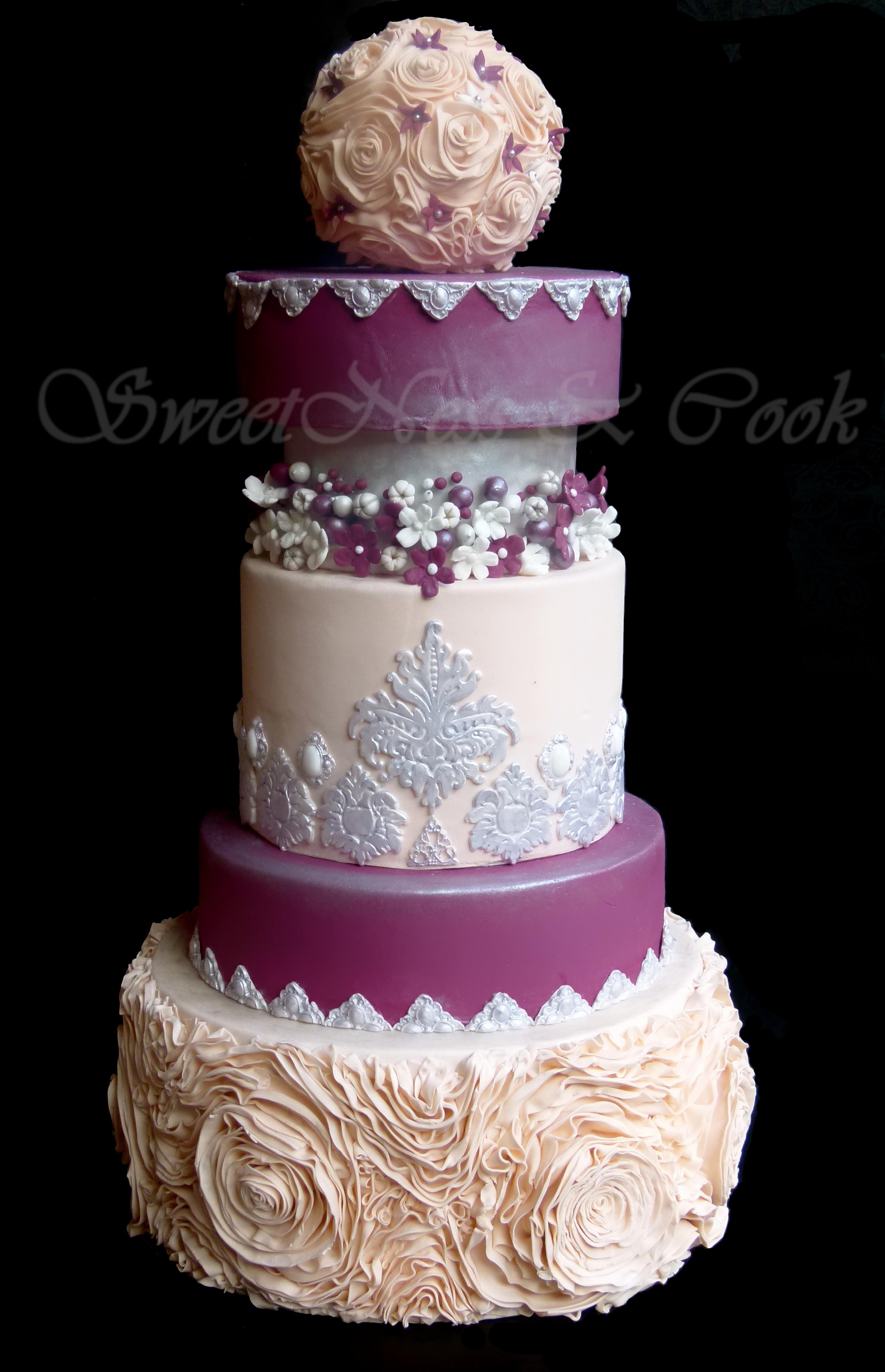 Wedding Cake Romance