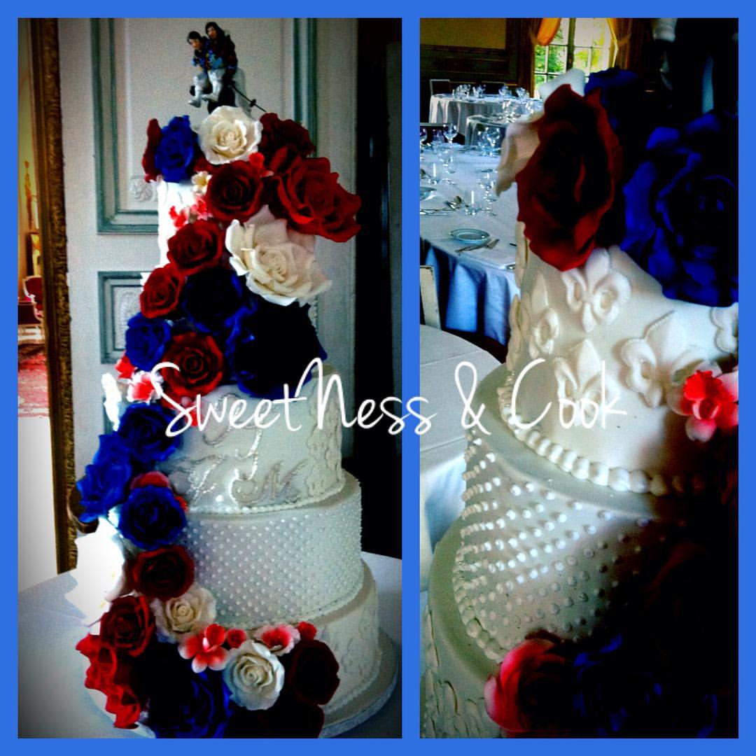 Wedding Cake bleu blanc rouge